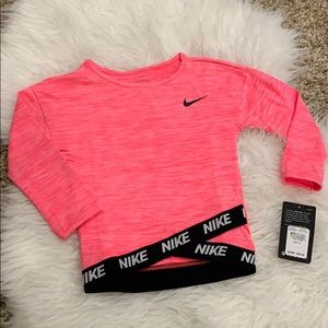 NWT Nike Pink and Black Workout Top🌟